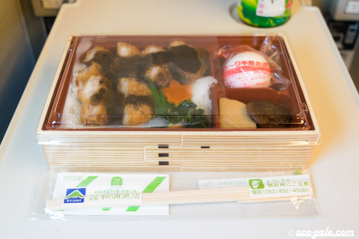 みそカツ丼(松浦商店)の駅弁はボリューム満点の丼ぶり弁当@名古屋駅