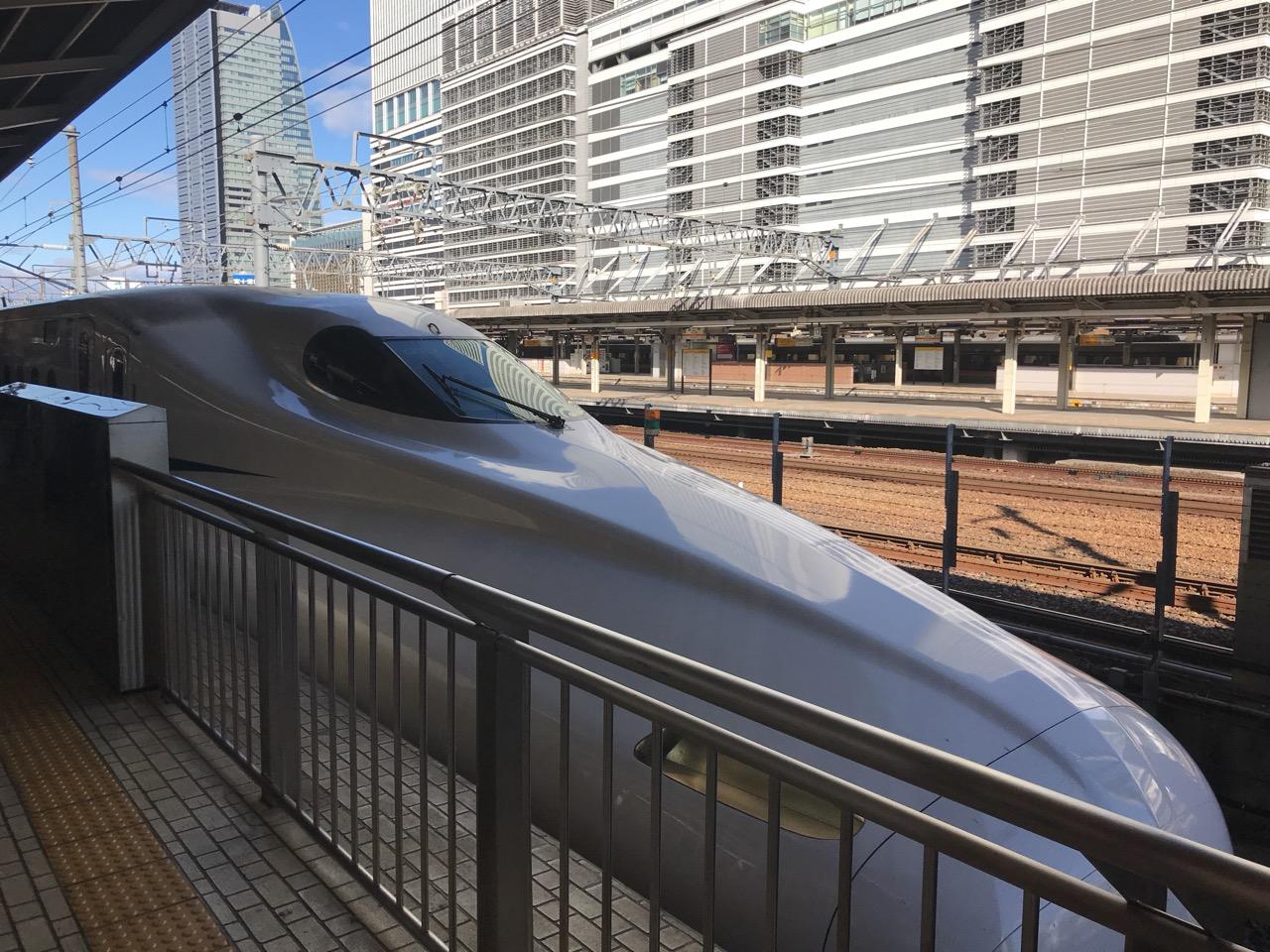 名古屋から東京へ、のぞみ18号の14号車20番C席に乗って