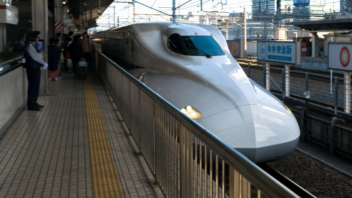 ひかり510号のグリーン車に乗って名古屋から東京へ