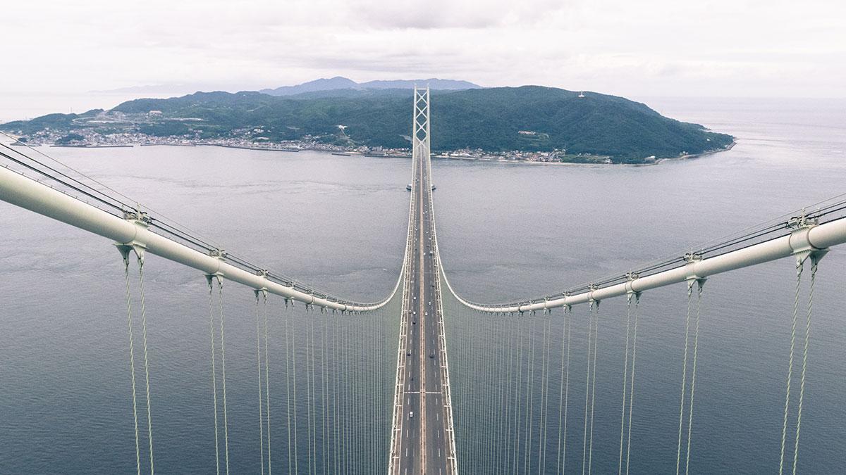 ブリッジワールド、地上300m明石海峡大橋の主塔に上る