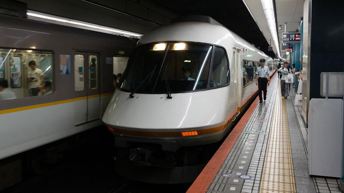 神戸・元町から大阪難波を経由し近鉄名古屋駅へ、アーバンライナーのデラックスシートに乗って