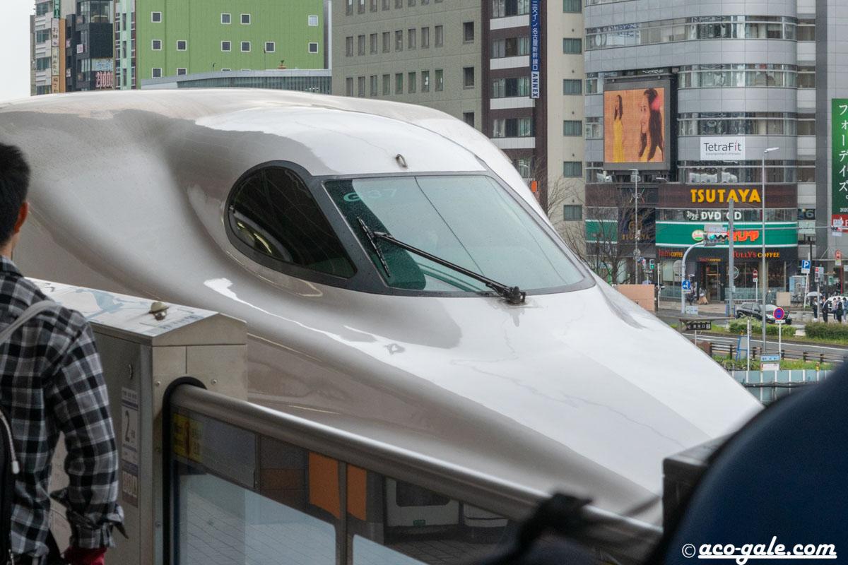 のぞみ311号の自由席に乗って、名古屋から新大阪まで 186.6kmを50分で駆け抜ける